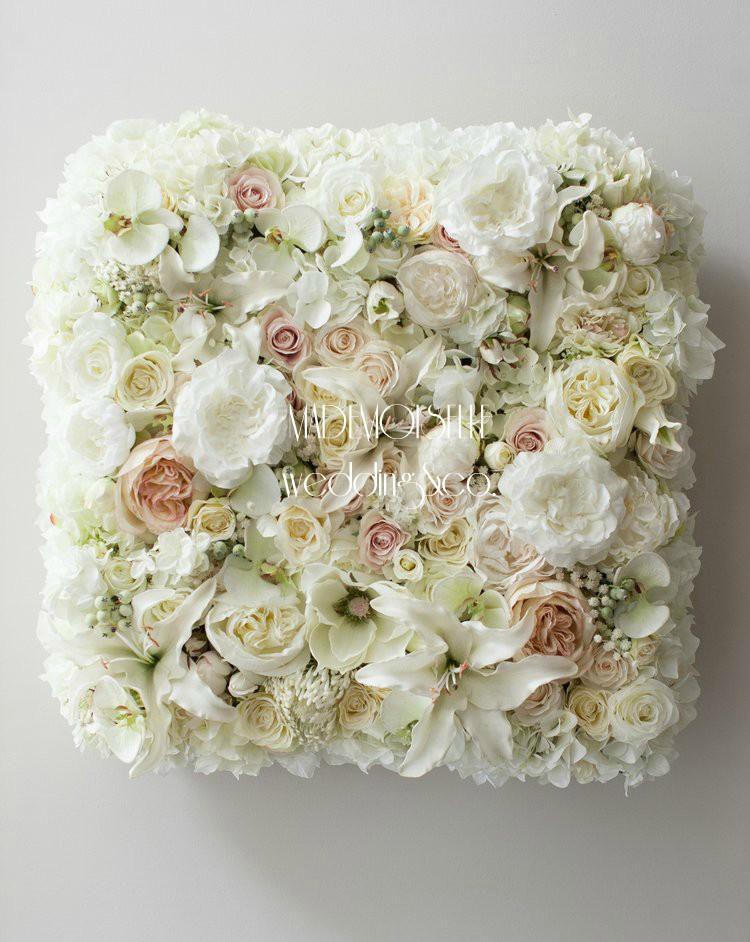 3E3F5544 - cvetni zid