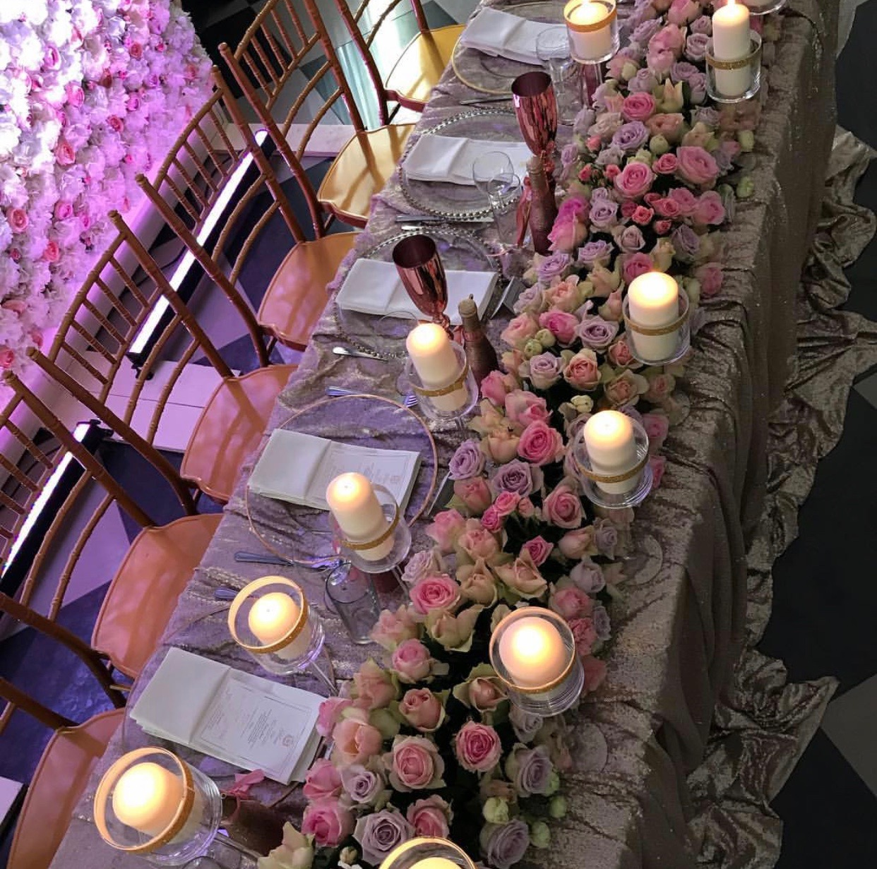 dekoracija vencanja cvecem u pastelnim bojama