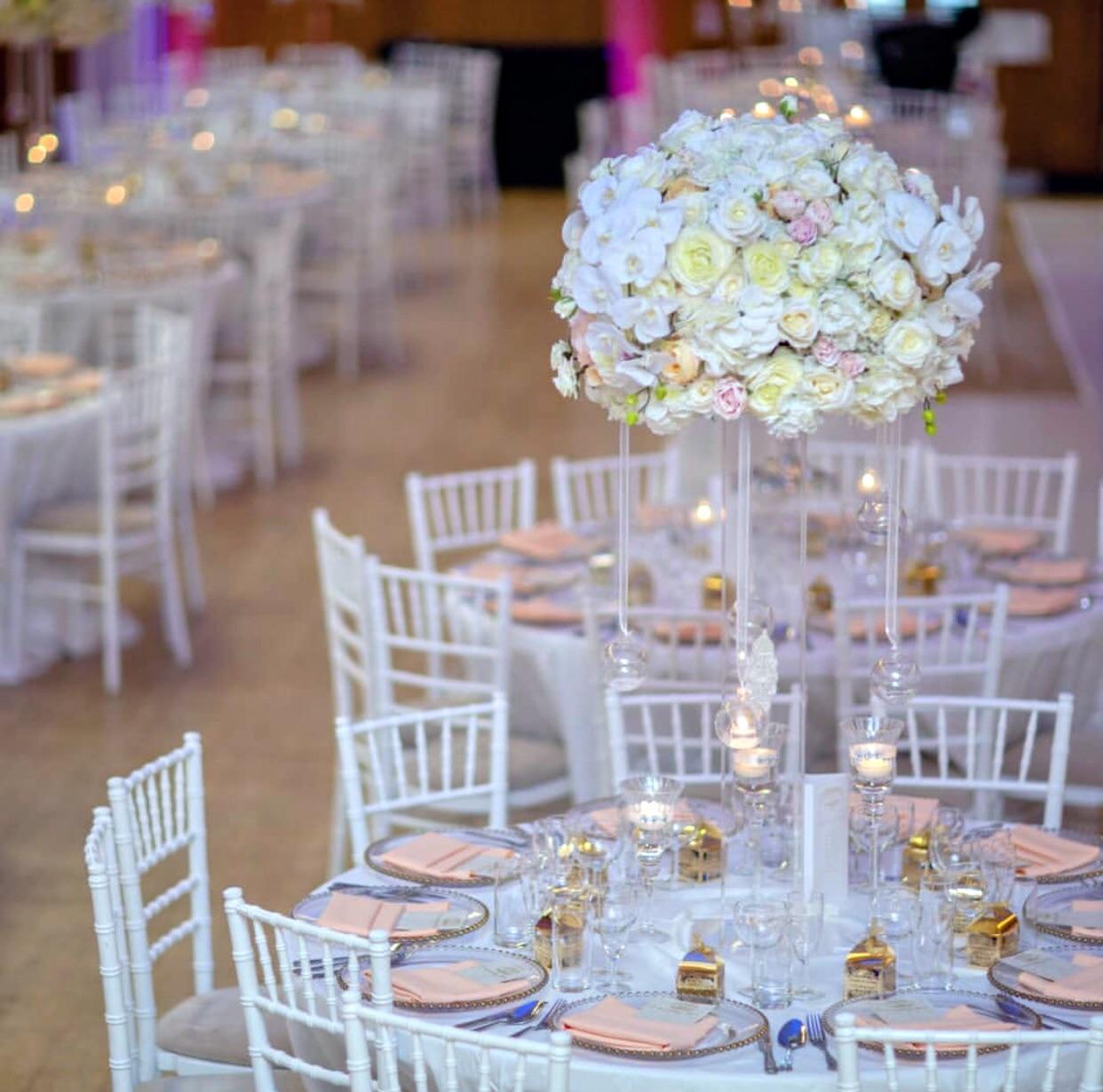 dekoracija vencanja nezno roze i belo