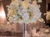 beli cvetni aranzmani za dekoraciju vencanja