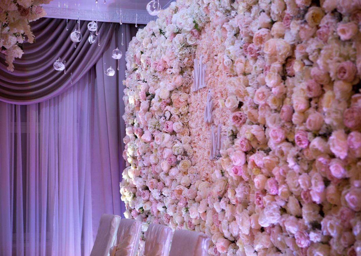 zid od cveca za dekoraciju vencanja
