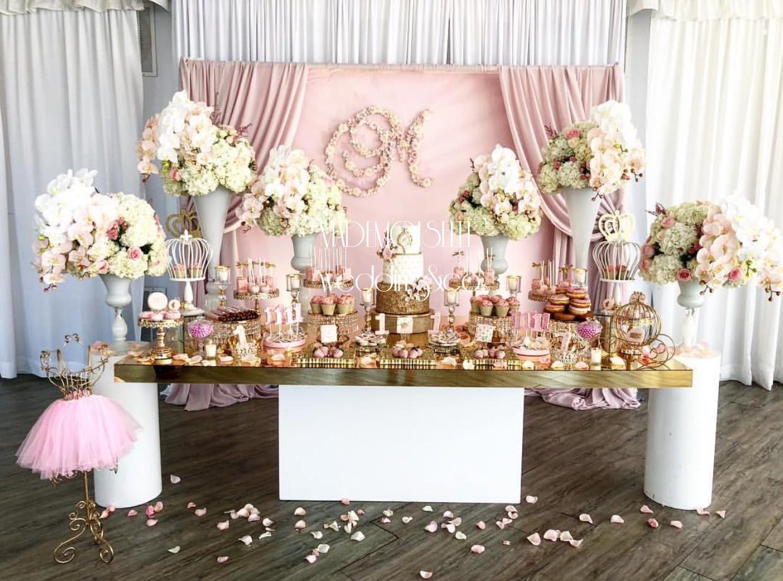 IMG-3675-slatki sto-dekoracija slatkog stola-cupecakes-kolacici za slatki sto-dekoracija rodjendana-dekoracija vencanja