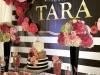IMG_E4533-slatki sto-dekoracija rodjendana-dekoracija za krstenje-kolacici-crno zlatna dekoracija slatkog stola-pruge-pink ruze
