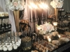 Slatki sto-dekoracija za slatki sto-dekoracija slatkog stola-kolaci-cupecakes-crno zlatna dekoracija slatkog stola-muffins-cakepops-dekoracija rodjendana-dekoracija za 18 rodjendan
