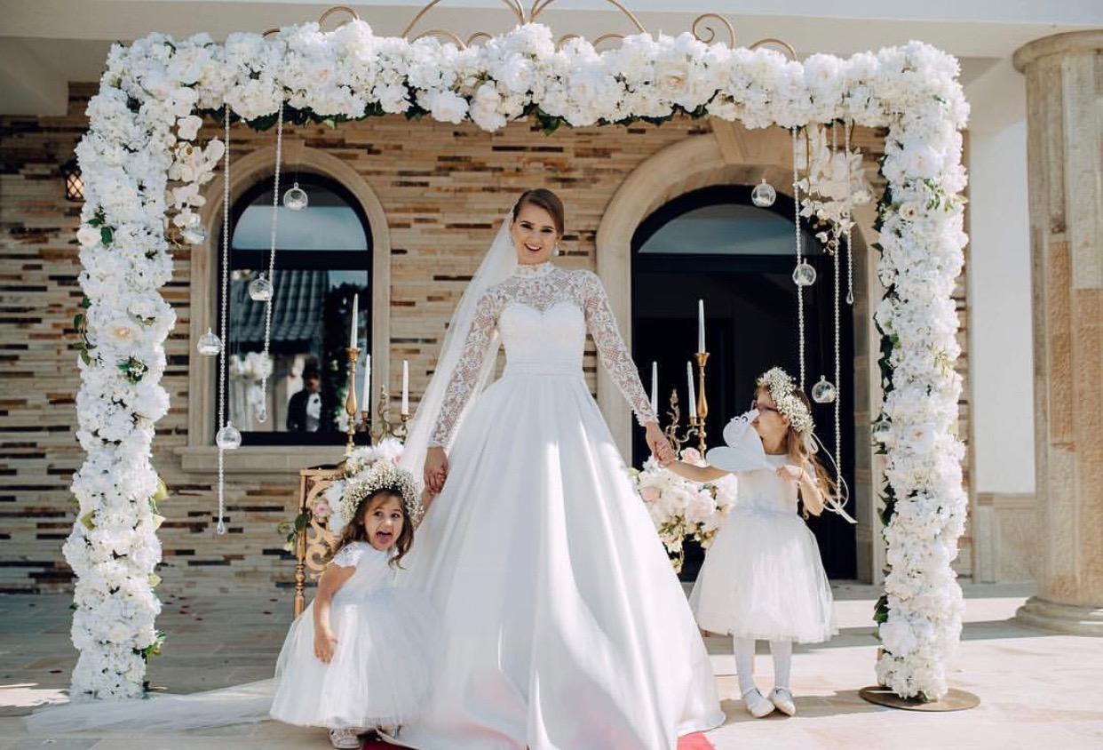 cvetni luk za slikanje sa gostima na vencanju - 4