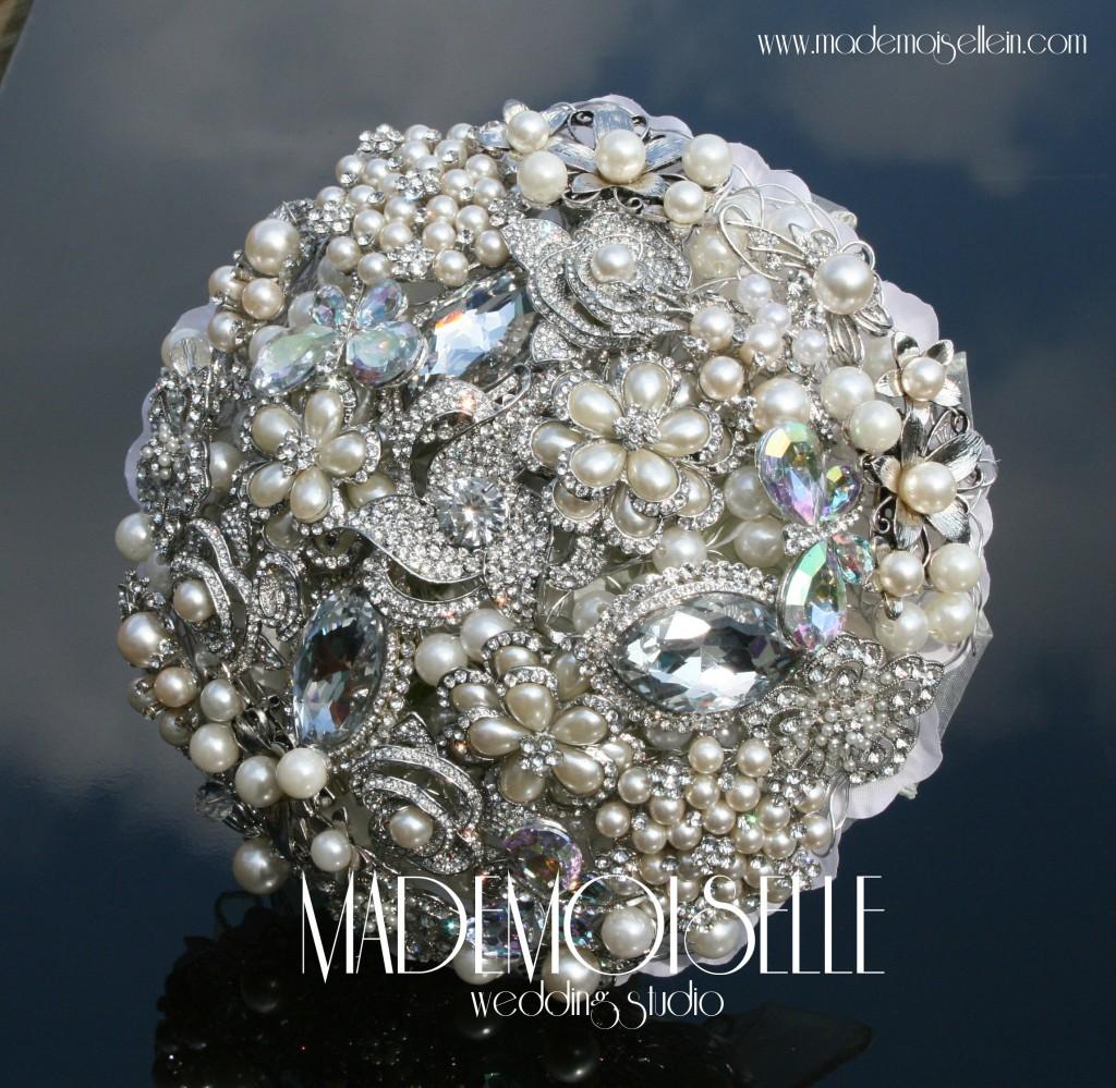 bidermajer-od-broševa-kristala-bisera
